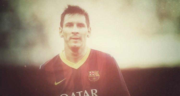 A partir de 2010, Messi quebrou uma série de recordes na história do futebol