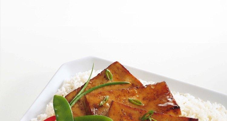 El tofu marinado es una explosión de sabor.