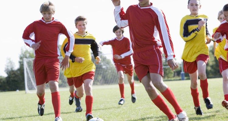 Los deportes pueden ser una actividad saludable para adolescentes, además, el deporte los mantiene ocupados.