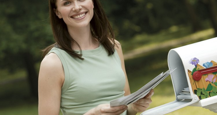 El saludo depende de la formalidad de la carta.