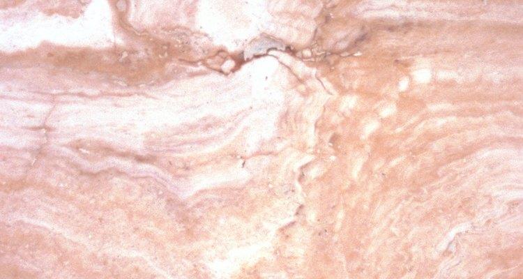 O realçador pode deixar o mármore com tons bem mais escuros