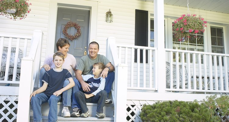 Instalar un detector de CO2 y un detector de humo en un hogar puede ser valioso para la seguridad de una familia.