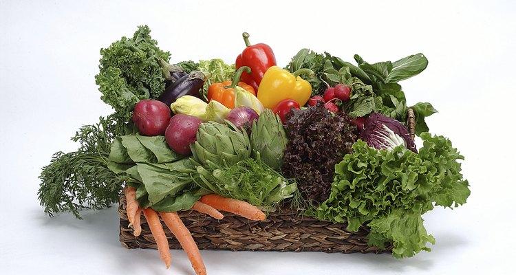 Muitos vegetais crescem acima do solo