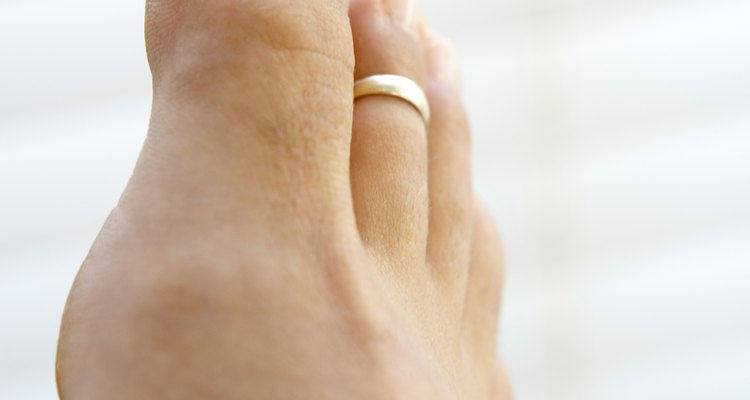La historia del anillo del dedo del pie.