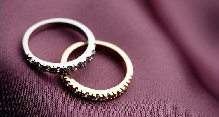 Saiba se um anel é feito de platina ou não