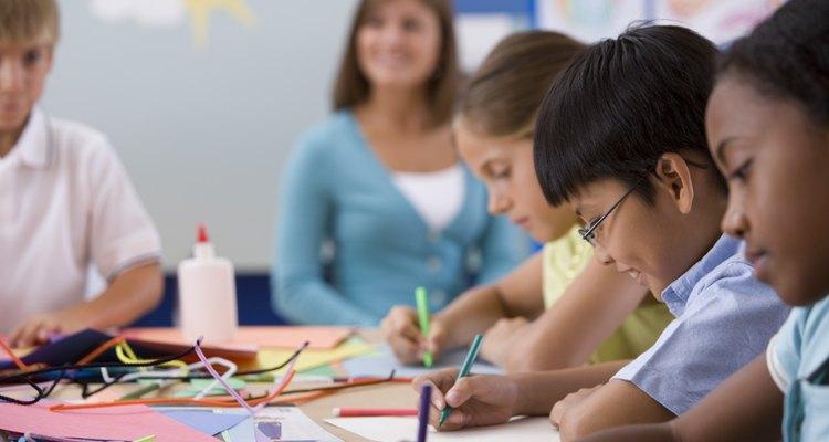Dales proyectos más desafiantes a los estudiantes más grandes de la escuela dominical.