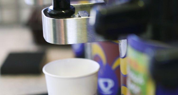 Cafeteiras industriais são úteis em escritórios ou reuniões