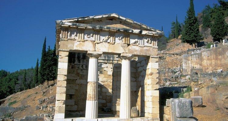 La belleza de las columnas griegas resiste el paso del tiempo.