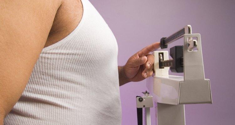 Los kilogramos son una medida de peso, mientras que los galones son una medida de volumen.