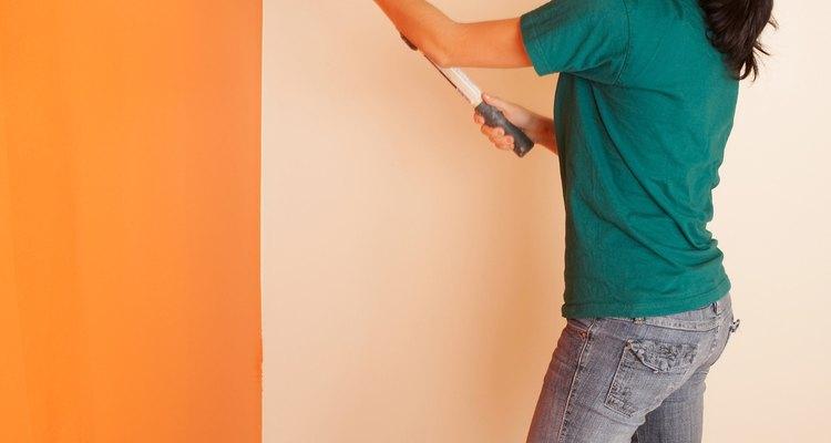 El yeso en el interior de un hogar mantiene el color de la pintura muy bien.
