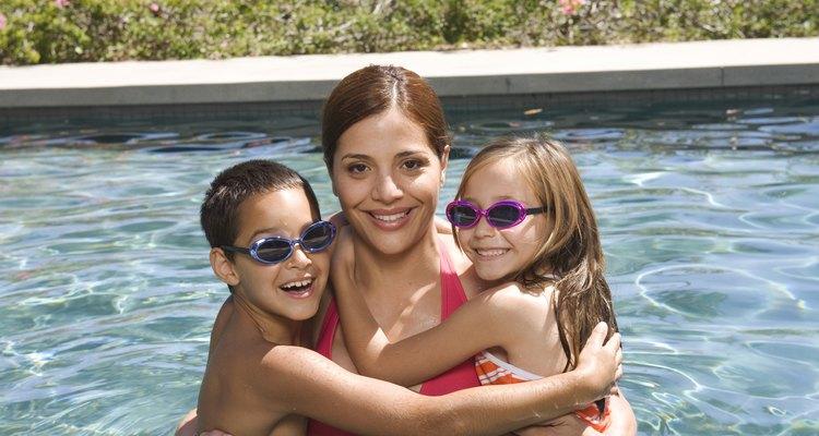 Mantenha a manutenção da piscina para garantir a saúde de sua família