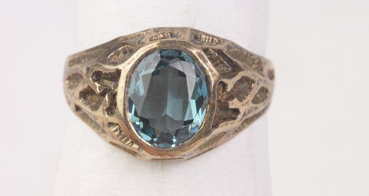 La tanzanita es una recién llegada a la escena de las joyas; ha existido sólo desde 1960.