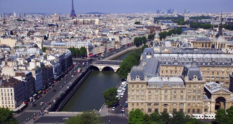 Las multitudes en París son menores en noviembre.