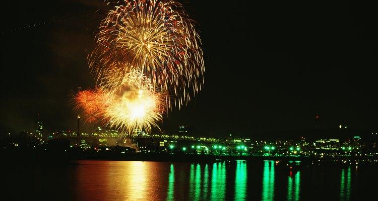 Los fuegos artificiales son una característica común en las celebraciones en todo el mundo.