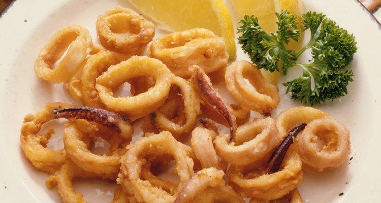El calamar es tambien conocido como calamari.