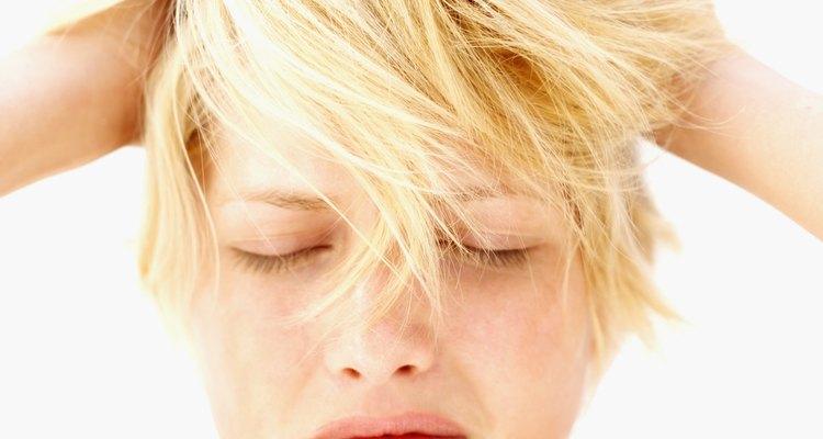 Modela tus mechones con un gel para el cabello hecho con ingredientes naturales