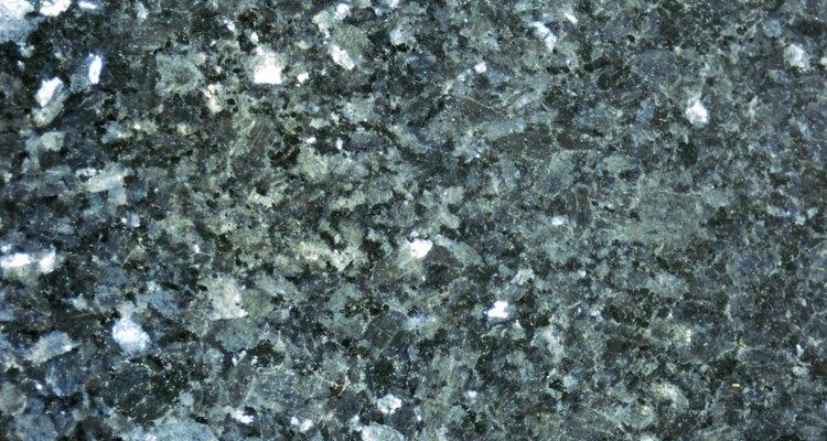 El mármol es lo que distingue a los pisos de terrazo de los otros pisos de cemento.