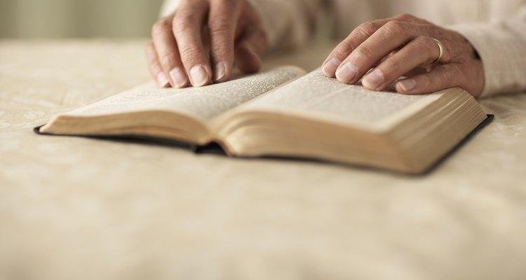 Todas las traducciones de la Biblia tienen lo suyo.