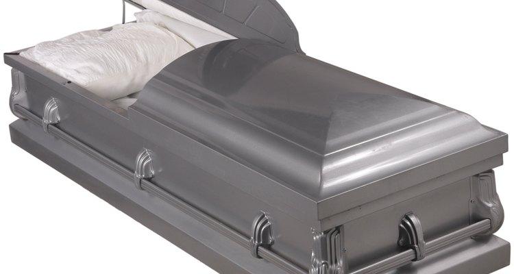 O processo de preparação do corpo humano em funerárias