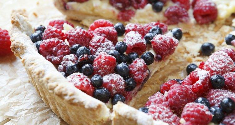 summer berry tart with custard cream