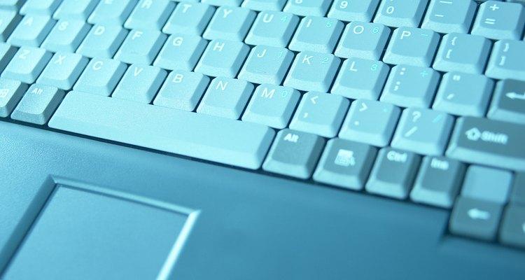 O touchpad antigo deve ser retirado completamente antes de colocar o substituto de vinil