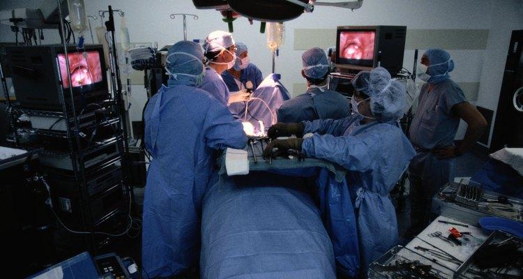 El salario promedio reportado por un cirujano general es de US$291.000 por año.