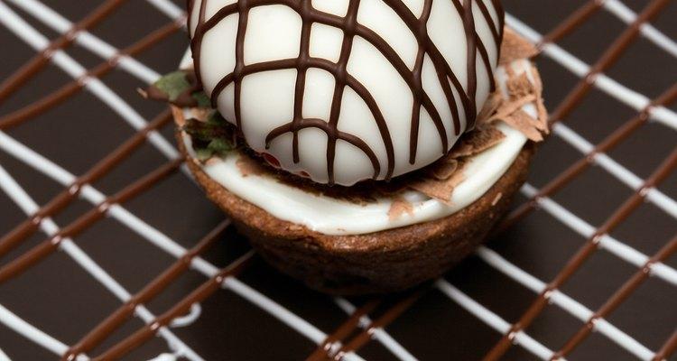 Trufas de chocolate branco são uma sobremesa deliciosa