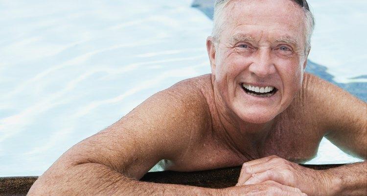 Los adultos mayores continuan fijándose y alcanzando nuevas metas.