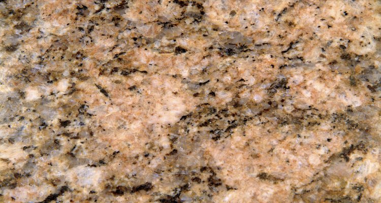 El granito es una opción popular para las superficies de la cocina del hogar en la década del 2000.