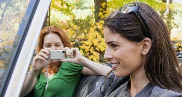 Elige un destino al que puedas llegar conduciendo y disfruta de un viaje por carretera.