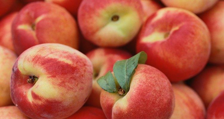 La madurez se determina por su color uniforme y su aroma.