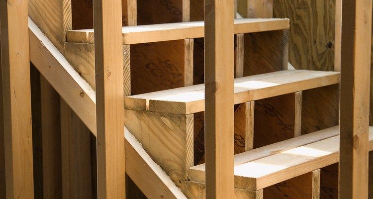 Las paredes divisorias con varillas son económicas.
