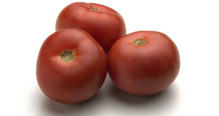 Si sufres de alergia al polen o fiebre del heno, debes evitar comer tomates.
