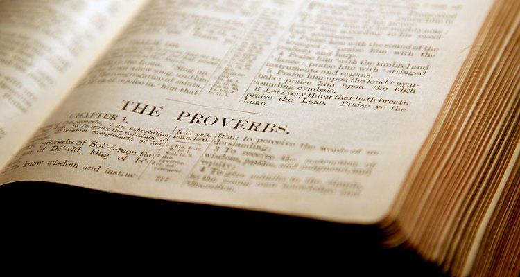 A poesia bíblica utiliza paralelismos para destacar pensamentos e balancear versículos