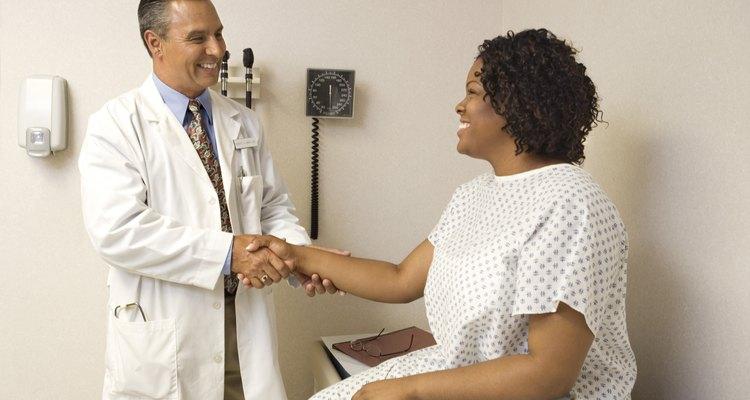 Os médicos podem pedir aos pacientes para fazerem um exame de sangue para analisar os níveis de lipase.