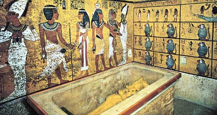 Los gobernantes del antiguo Egipto fueron representados en el arte de una manera elegante y favorecedora.