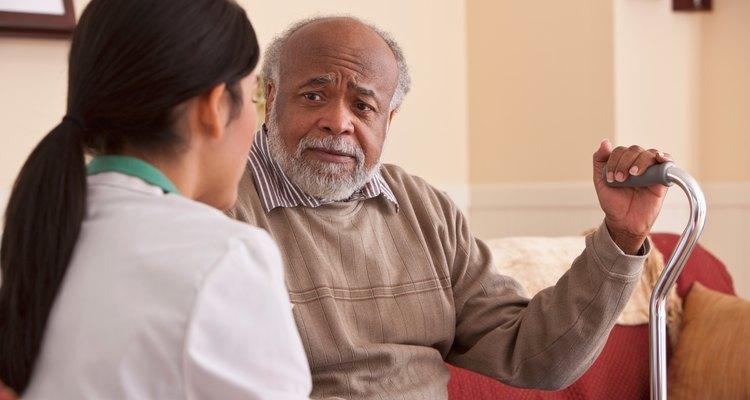 El terapeuta respiratorio trabaja en conjunto con los médicos para que el paciente lleve una vida cotidiana normal, aun cuando éste tiene algún padecimiento relacionado con el aparato respiratorio.