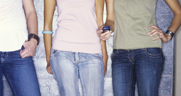 Elimine o desagradável cheiro de produtos químicos de suas calças e deixe-as perfumadas