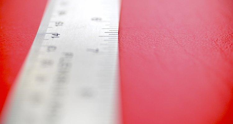 Utilize uma régua bem marcada para obter medidas precisas