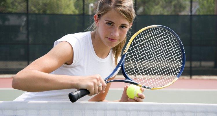 Compara esta medida y la edad de tu hija en una tabla guía de tamaños de raquetas.