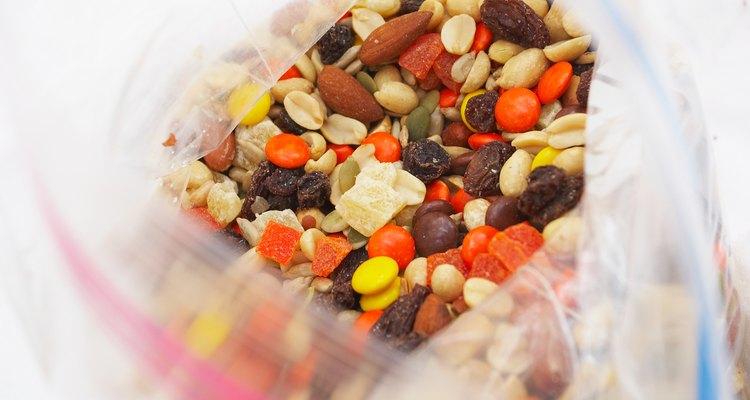 Las bolsas Ziploc se cierran de manera segura, manteniendo frescos los alimentos que almacenan.