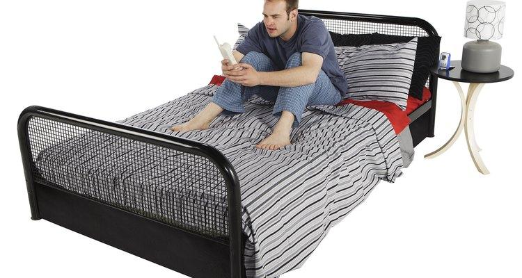 Las camas de dos plazas están diseñadas para albergar a dos personas, pero son mucho más cómodas si las usa sólo un individuo.