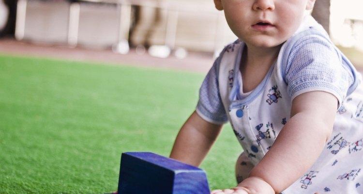 Muitos bebês ficam mais felizes quando eles podem ficar sentados por si próprios
