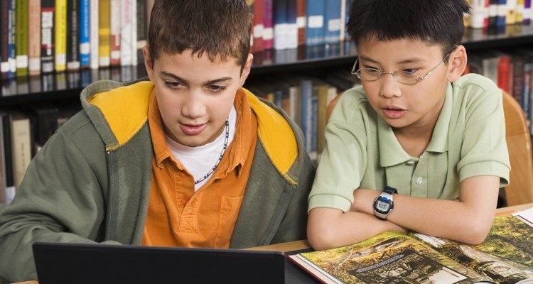 Estas habilidades ayudan a que los niños tomen decisiones inteligentes sobre lo que les dicen los medios.