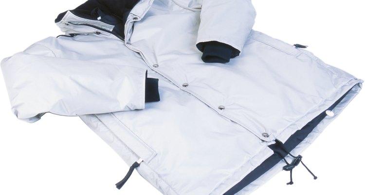 Restaura el acabado de tu chaqueta impermeable.