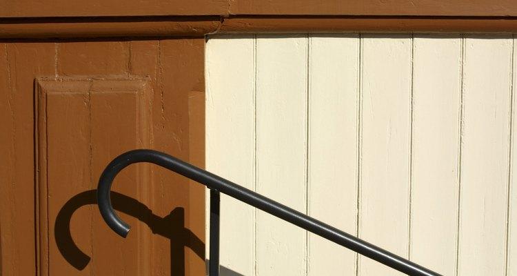 Aunque las barandillas de hierro pueden volverse oxidadas y lúgubres con el tiempo
