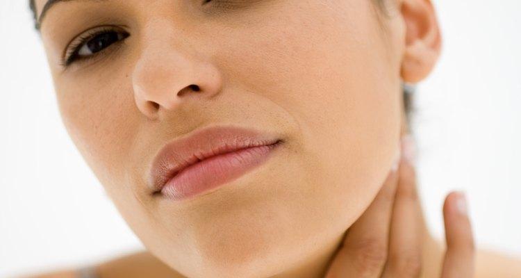 São vários os fatores que causam o estreitamento da garganta