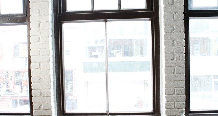 Los lofts suelen contar con la ventaja de poseer grandes ventanas.