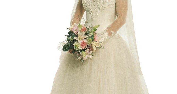 Esse vestido de noiva é antigo, o que deve ser incluído na sua descrição