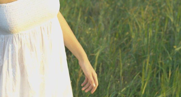Un vestidito blanco te ayudará a ganarle al calor durante el verano.